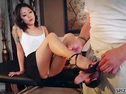 Nude Korean Saya Song gives a footjob and blowjob to clothed married challenge