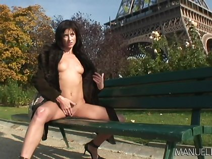 Eiffel tower masturbation scenes leads to some unpropitious car recreation