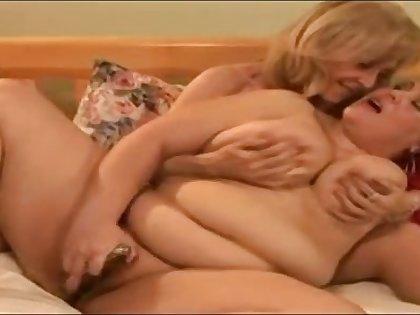 Hot Mature Nina Hartley Enjoys Lesbo Sex Anent Carroty BBW