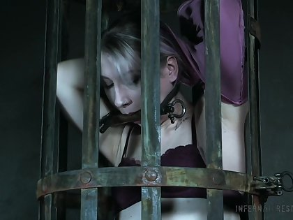 Locked in the cage filial gripe Lex Luthor gets ready be useful to hardcore BDSM