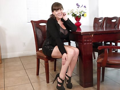 Hottest matured lady Rebecca Love is finger fucking stretched cunt