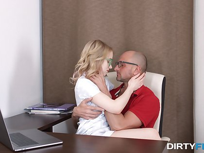 Smooth oral and hard sex be worthwhile for the nerdy younr blonde