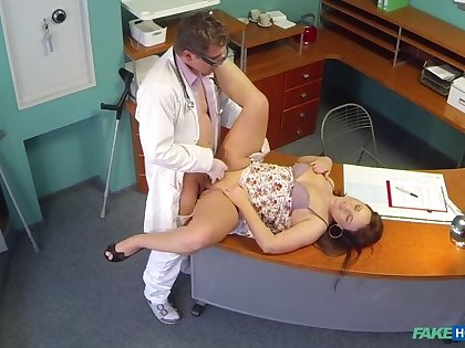 Doctors meat snapshot eases curvy patients back sting